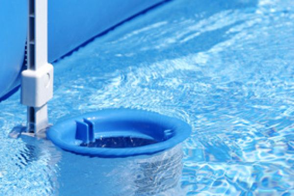 Pompe de filtration piscine fabulous en savoir plus with for Branchement aspirateur piscine sur skimmer